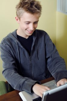 teenager socializing online