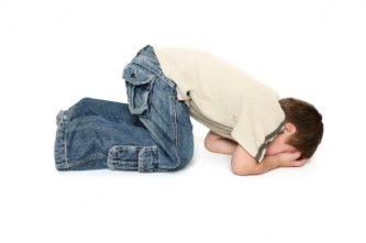 toddler throwing temper tantrum