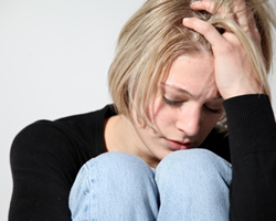 depressed-teen-girl