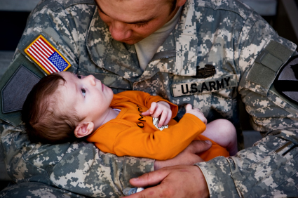 military-dad-and-new-son